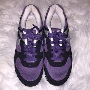 Nike Air purple black white shoes. Size 8.
